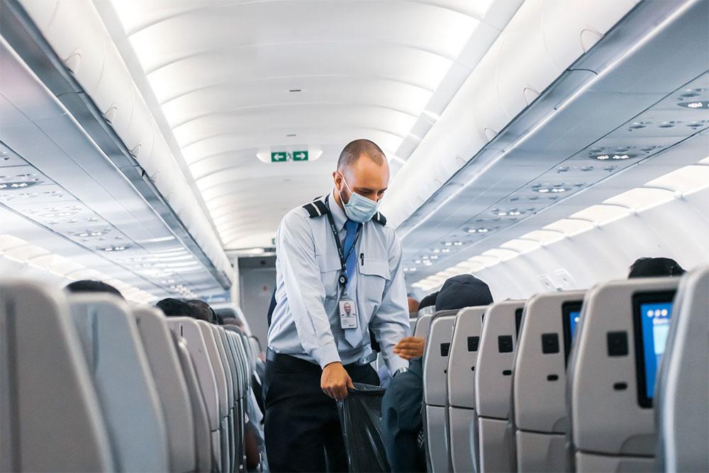Viaggio in aereo: quali sono le migliori mascherine da indossare per evitare il contagio?